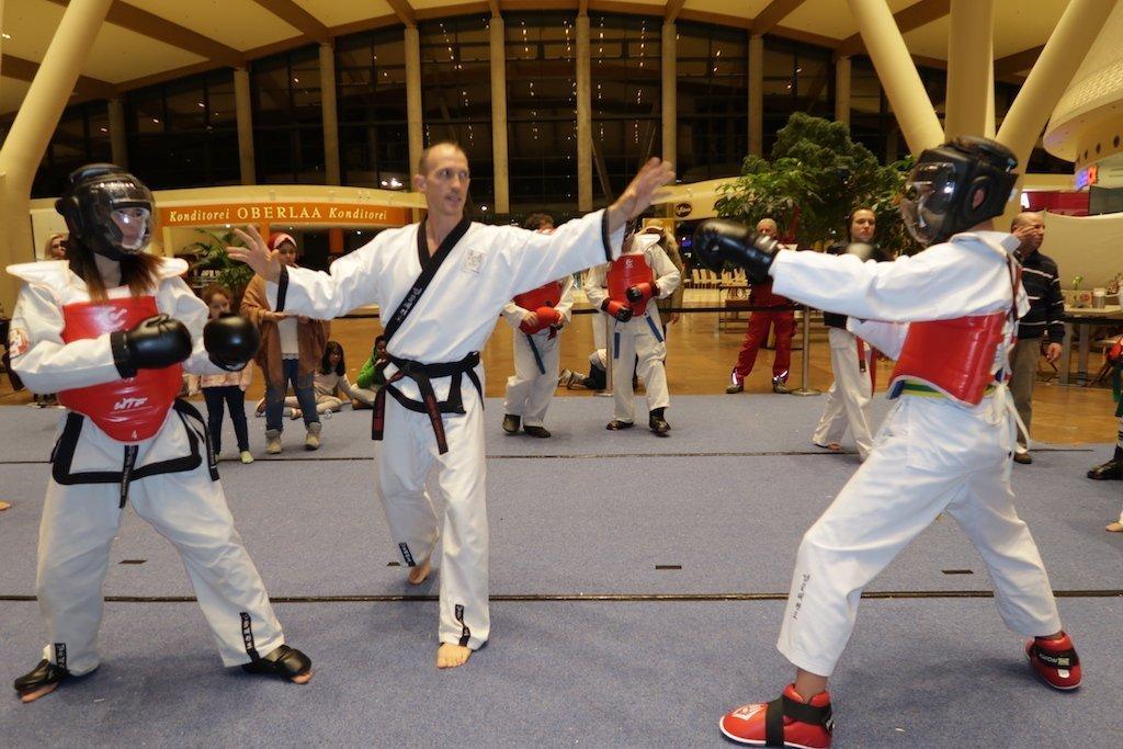 YOUNG-UNG Taekwondo Kampfsport YU FIGHT