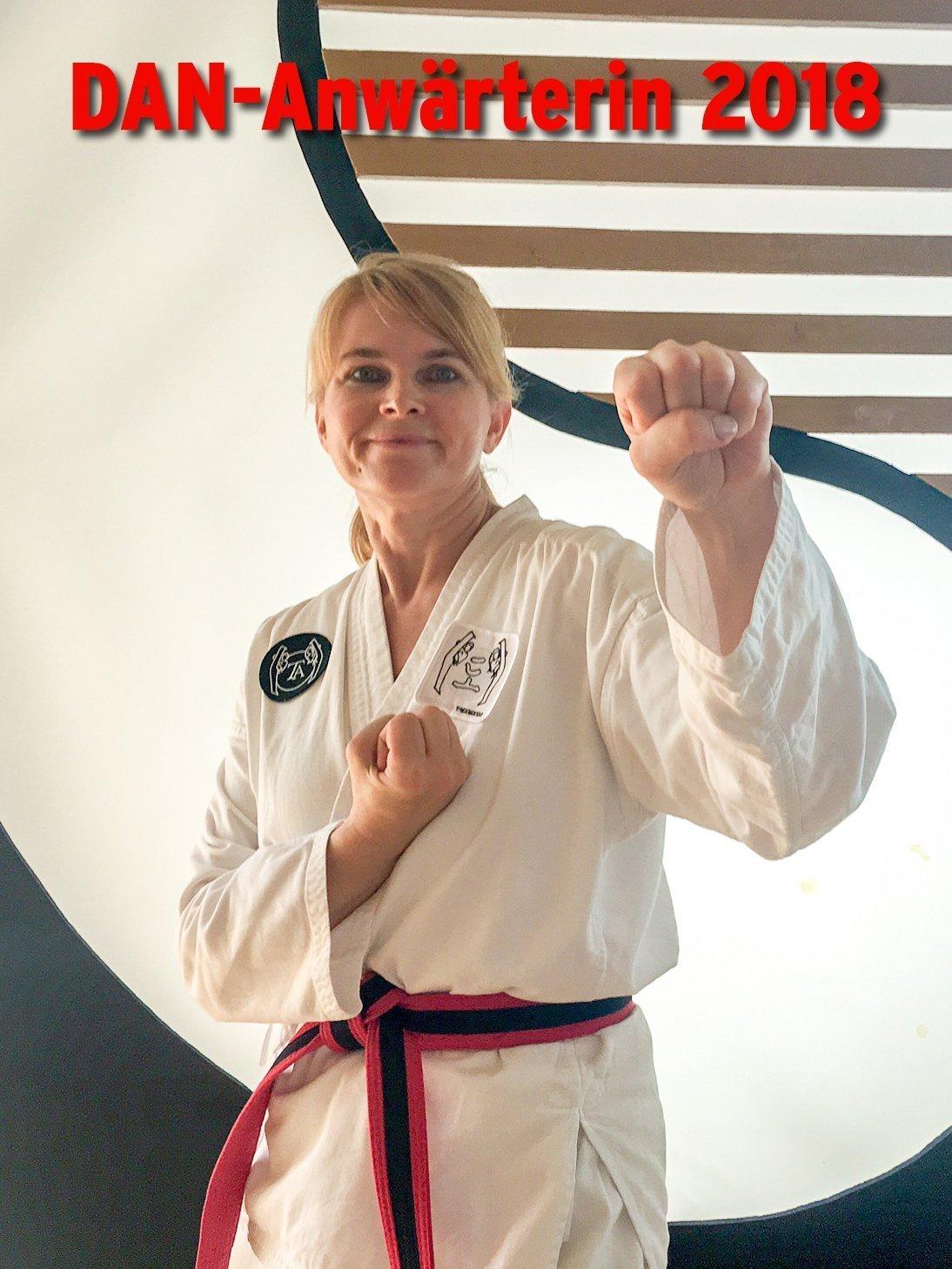 YOUNG-UNG Taekwondo Bulgarien-Camp DAN-Anwärter Kampfsport