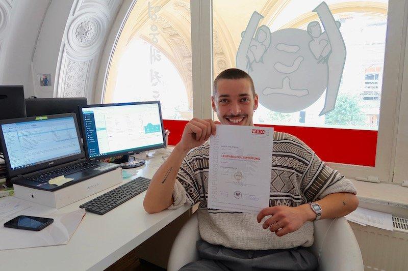 YOUNG-UNG Taekwondo Lehrabschluss Sportadministrator Nikola Milojcevic