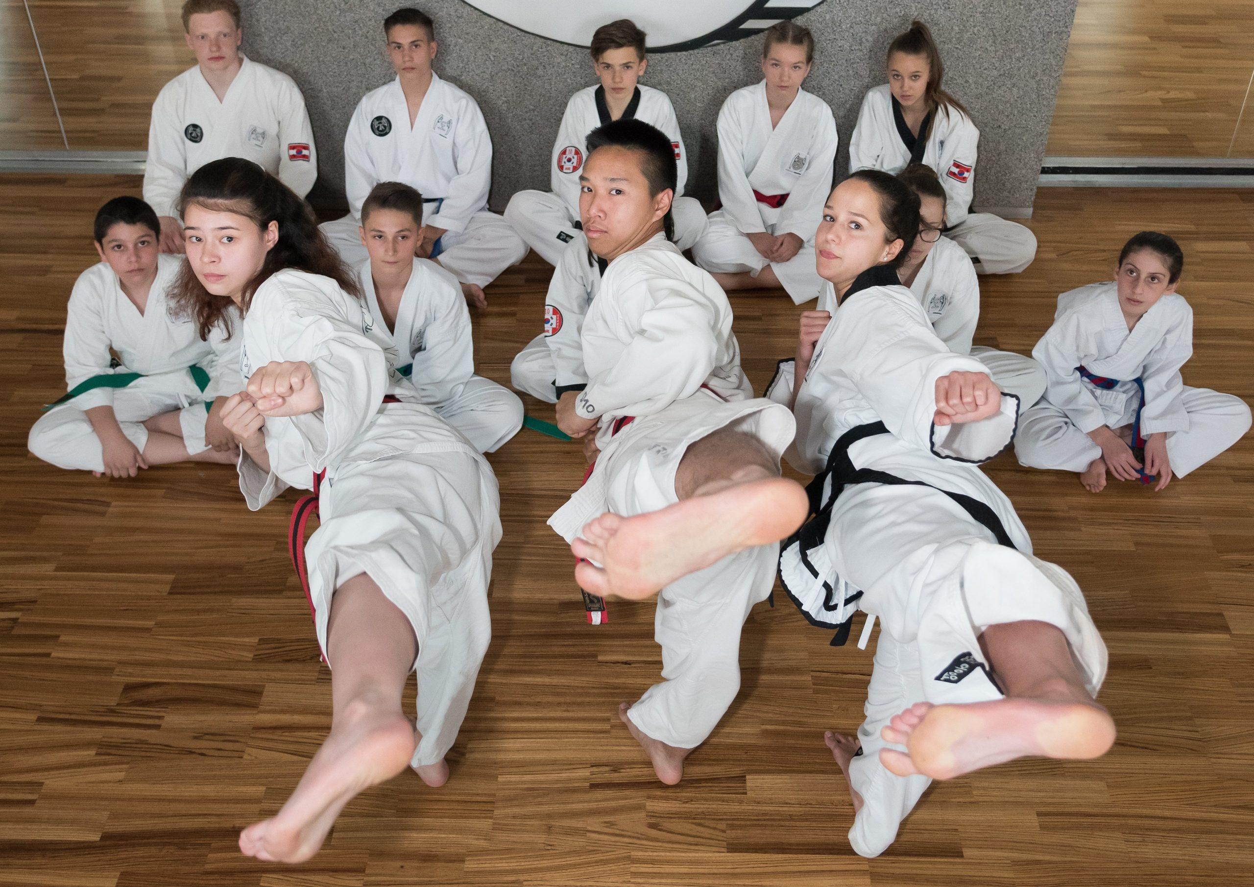 YOUNG-UNG Taekwondo Kampfsport Prüfungen