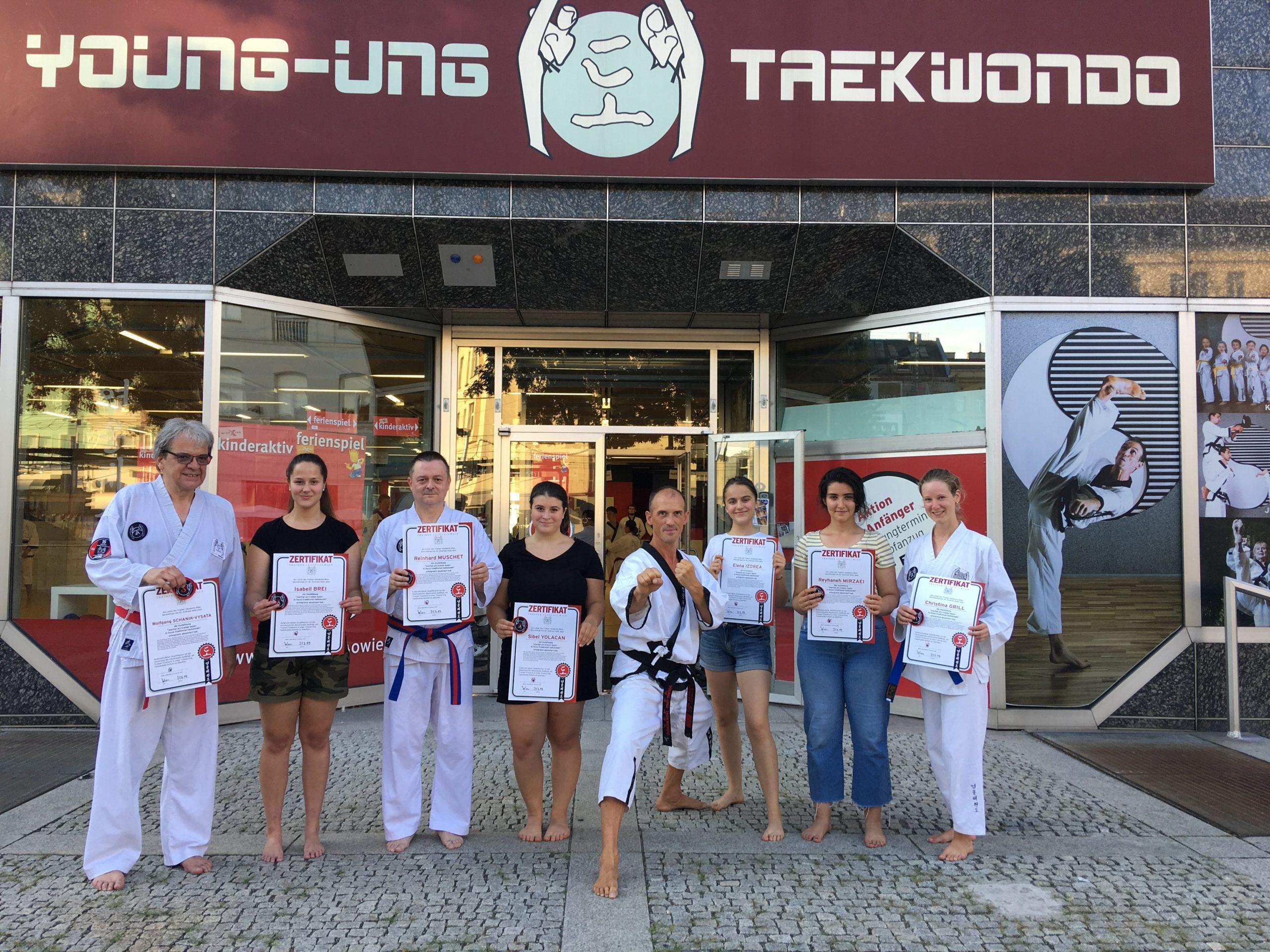 YOUNG-UNG Taekwondo Trainerakademie Ausbildung Zertifikat Kampfsport Trainer