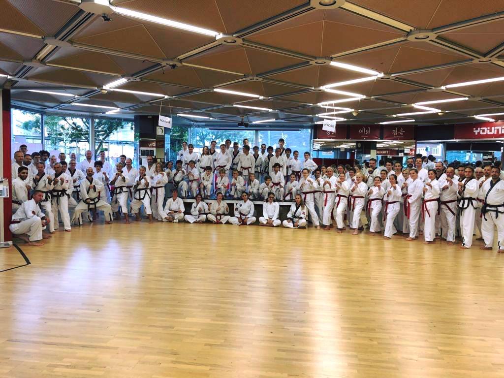 YOUNG-UNG Taekwondo Training Kampfsport DAN-Ritual