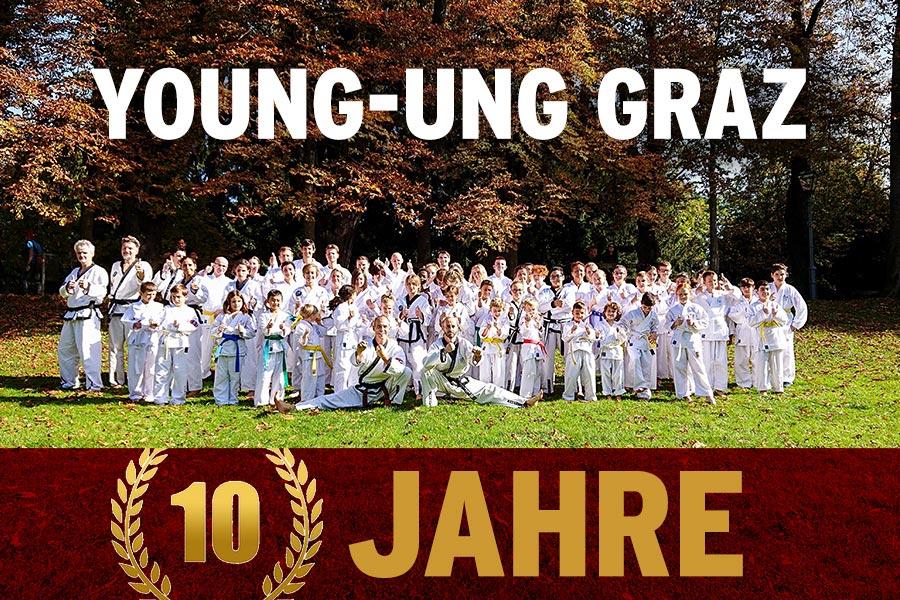 Taekwondo Gruppe in der Wiese
