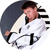 Portrait Foto unseres Taekwondo-Trainers aus der Zweigstelle 1130 Wien