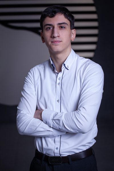 Niko Kobulashvili  Personal& Abmeldungen